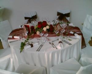 Orangerie Tischgedeck Hochzeit
