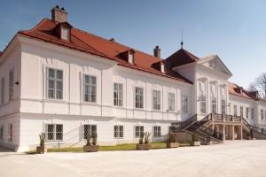 SchlossAussen 1